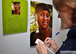 projet photo 20 femmes par Volha Boubich ouverture d'expo