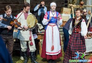fête traditionnelle biélorusse appeler le printemps - musique traditionnelle
