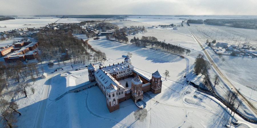 chateau de mir belarus par dmitry lasko