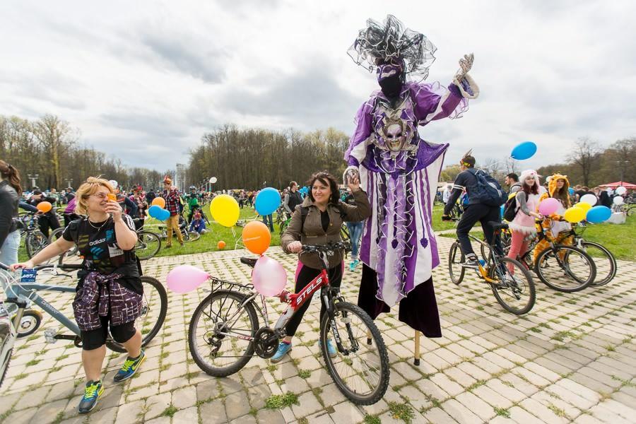 Fête cycliste au bélarus Viva Rovar